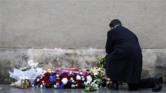 Les Français rendent hommage aux victimes des attentats du 13 novembre 2015