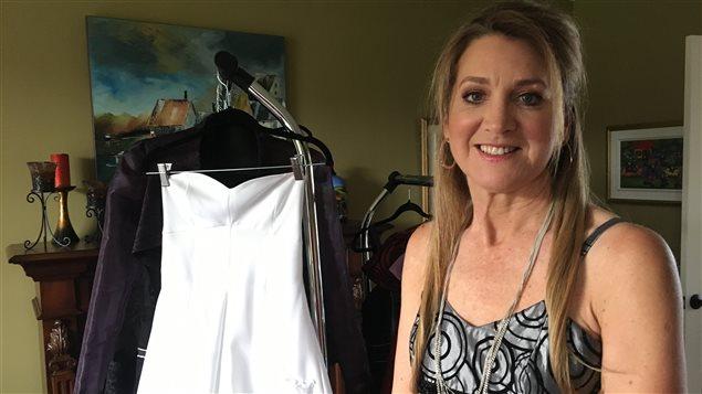 Des robes pour lutter contre la violence familiale
