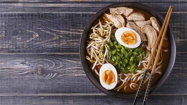 Les nouilles ramen sont un plat à la fois réconfortant et santé, selon Lesley Chesterman.
