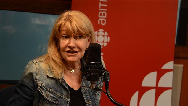 Louise Deschâtelets était de passage dans les studios d'ICI Abitibi-Témiscamingue