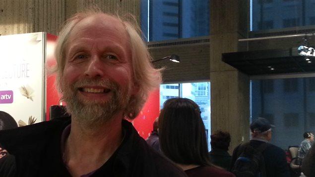 Jean-Claude Ravet, rédacteur en chef de la revue Relations à l'émission Désautels le dimanche au Salon du livre de Montréal, 2016.