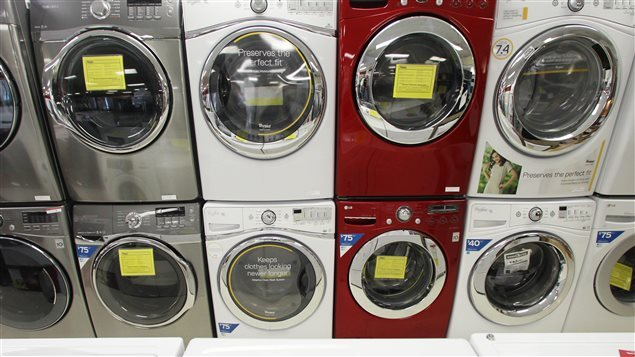 Tests show that front loading washing machines tend to cause the release of fewere microfibres than  top loaders which have greater agitation of clothes during washing