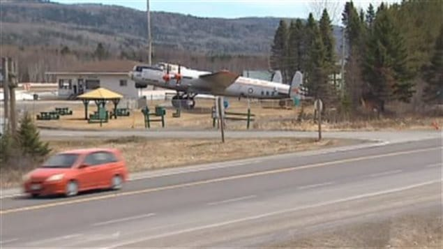 Showing KB-882 parked at the small Edmunston airport on the New Brunswick Quebec boundary. Road salt laden spray thrown up by vehicles passing in winter has not been kind to the plane.