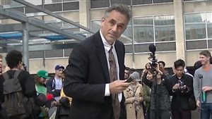 Youtube grab. Professor Peterson attempts to talk about free speech at U of T protest, Oct 2016 at which unruly protesters broke the sound system and continually tried to shout him down.