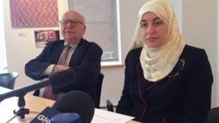 Rania El-Alloul et son avocat Julius Grey en 2015. (Steve Rukavina)