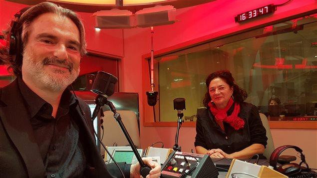 Richard Daigle et Suzanne-G. Chartrand sur le plateau radio de l'émission Le monde aujourd'hui