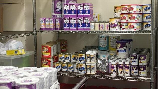 Des produits pour les nourrissons sont offers à la banque alimentaire de Surrey.