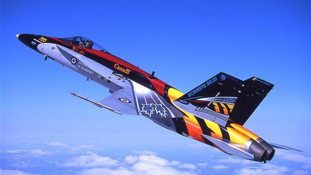 Un CF-18 aux nouvelles couleurs du Canada