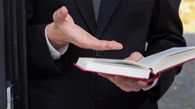 Ils sont polis et cognent à votre porte le samedi matin. Mais on en connaît peu sur les témoins de Jéhovah.