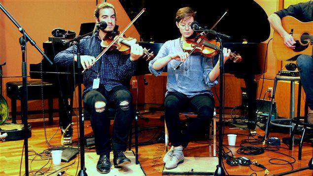 Rémi Pagé et Elisabeth Moquin étudient la musique traditionnelle au Cégep de Joliette.