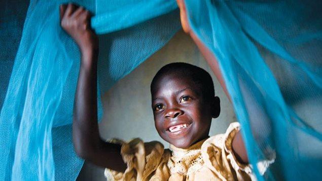 Mosquitero para proteger a los niños de la malaria y otras enfermedades trasmitidas por los mosquitos.