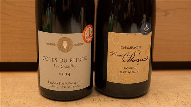 Un vin rouge et un champagne recommandés par Élyse Lambert