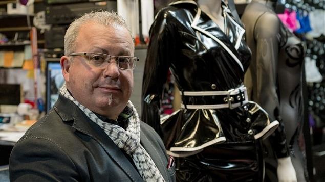 Gianni Sardelli, corsetier fétichiste
