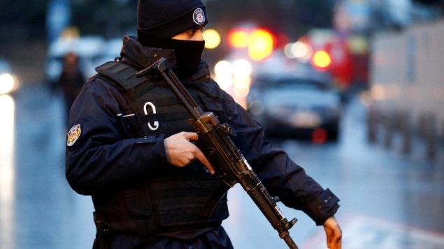 Présence des forces près du lieu du drame à Istanbul.
