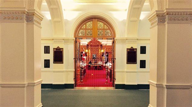 Les jeunes parlementaires siègent à l'Assemblée législative de Victoria