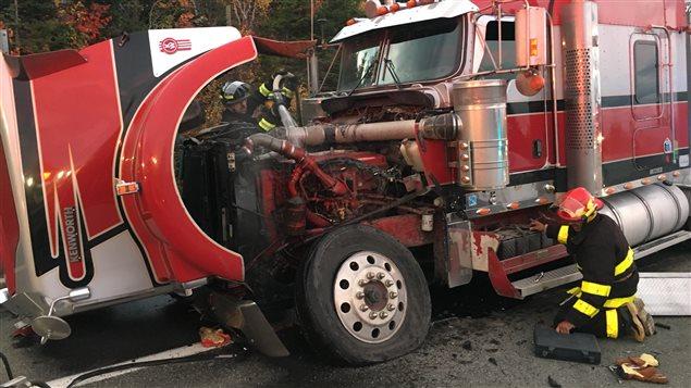 Le camion à la suite de l'impact.