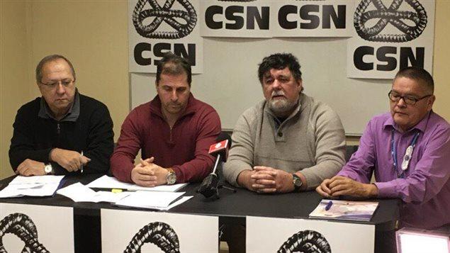 Conférence de presse à Sept-Îles de la Confédération des syndicats nationaux (CSN) et du Conseil central Côte-Nord (CCCN-CSN) qui ont annoncé leur appui à la candidature de la municipalité de l'Île-d'Anticosti pour figurer au patrimoine mondial de l'UNESCO.