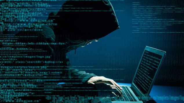 Les États, les citoyens de tous âges, sans distinction de sexe sont les cibles de toutes sortes de cyberattaques de la part d'individus tapis dans l'ombre