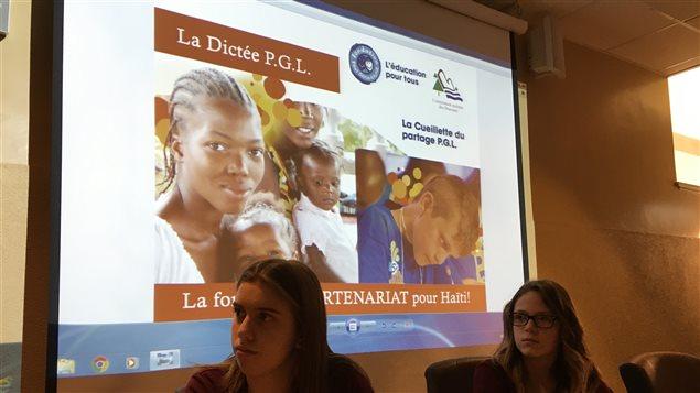 Des élèves de la Commission scolaire des Draveurs ont participé à une dictée pour amasser des fonds pour aider un orphelinat en Haïti.