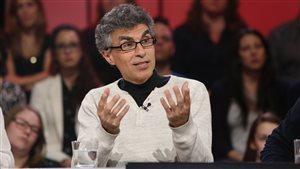 Le chercheur Yoshua Bengio sur le plateau de l'émission de Radio-Canada Tout le monde en parle.