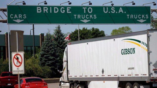 Le pont Ambassadeur relie Windsor en Ontario à Détroit, dans le Michigan
