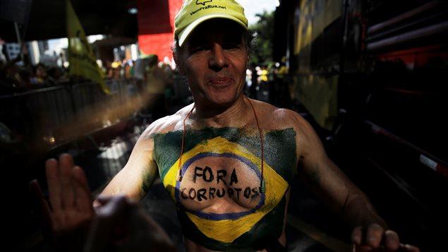 Los brasileños ya no confían en sus dirigentes políticos.