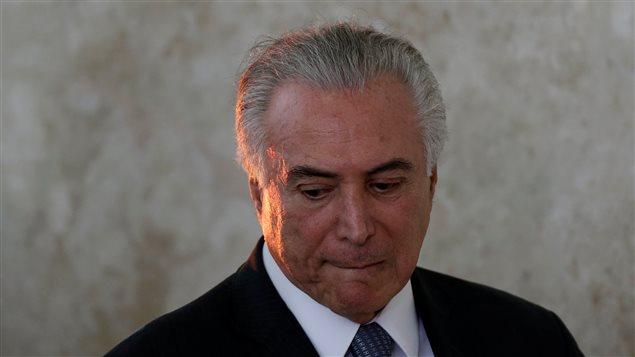 El Brasil toma fuerza la idea de la implicación del presidente en casos de corrupción.