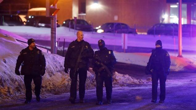 دورية لشرطة كيبك خارج المسجد المستهدف بالهجوم