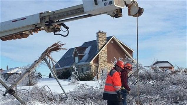 Plusieurs équipes d'Énergie NB ont été aperçues à Le Goulet, dans la Péninsule acadienne