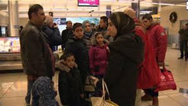 لاجئون سوريّون يصلون إلى كندا (أرشيف)