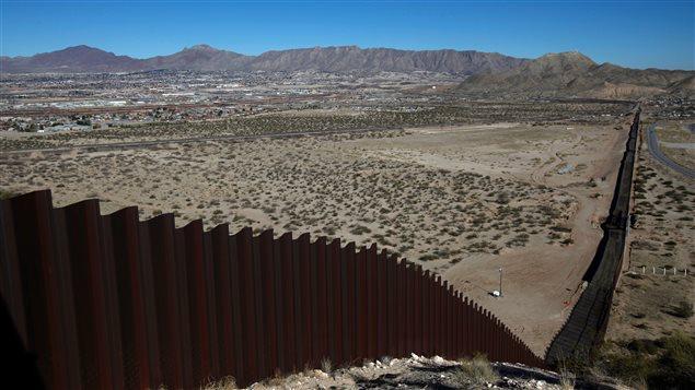 Trump quiere ampliar y reforzar el muro ya existente en varios tramos de la frontera.