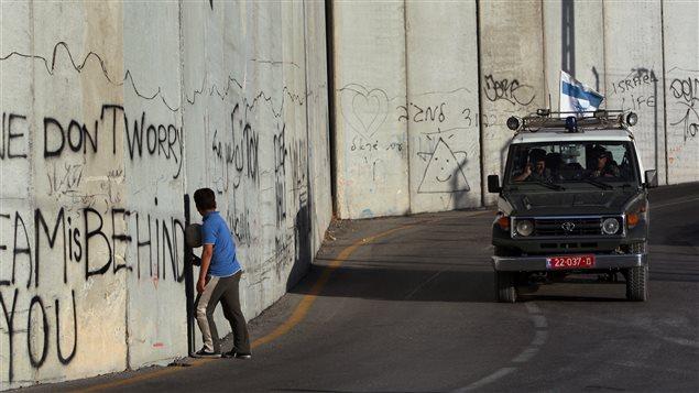Tramo del muro que separa a israelíes y palestinos al este de Jerusalem.