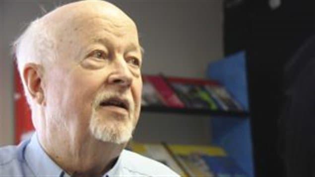 Pops, le Père Emmett Jonhs a fondé l'organisme Dans la rue en 1988