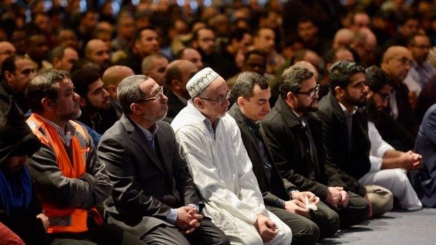 Cérémonie à la mémoire des victimes à Québec
