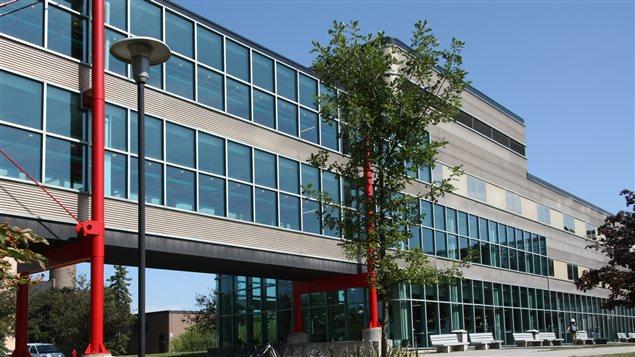 L'Université de Waterloo, en Ontario, risque de tirer profit de la relocalisation de travailleurs américains au Canada.