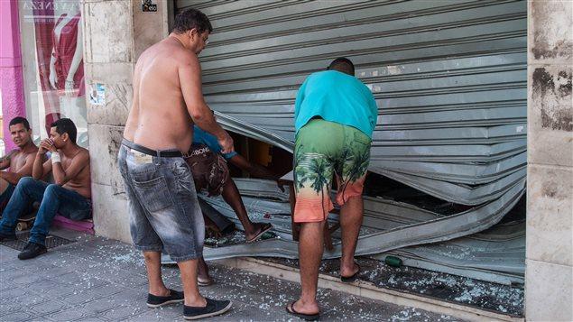 Vandalismo y violencia en el estado Espirito Santo de Brasil, durante huelga de la policía.