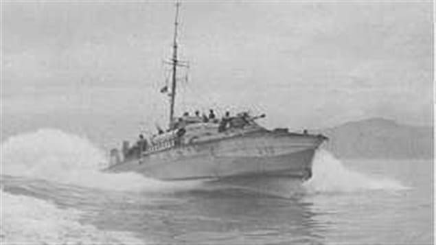 MTB 459 during the working-up period at Holyhead. Note 6pdr cannon on foredeck. The tubes were angled outward at 7.5 degrees, once in the water torpedos would turn inward 6.5 degrees to give a spread of 120 feet at 1000 yards.