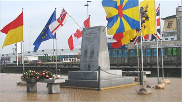 The monument is found on the Montgomery Dock, just a few hundred metres northwest of the Oostende train station.