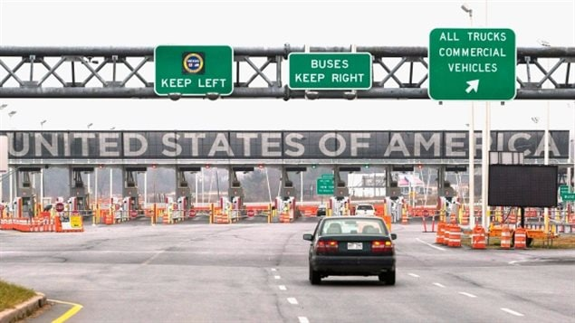 You could be arrested for refusing to give up the passwords to your electronic devices when crossing the Canada/U.S. border, warn civil liberties advocates.