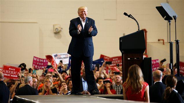 Trump en Floride pour retrouver l'effervescence de sa campagne