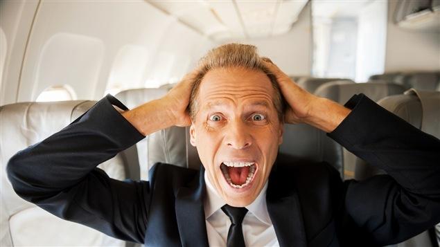 Un passager d'avion souffrant de rage de l'air