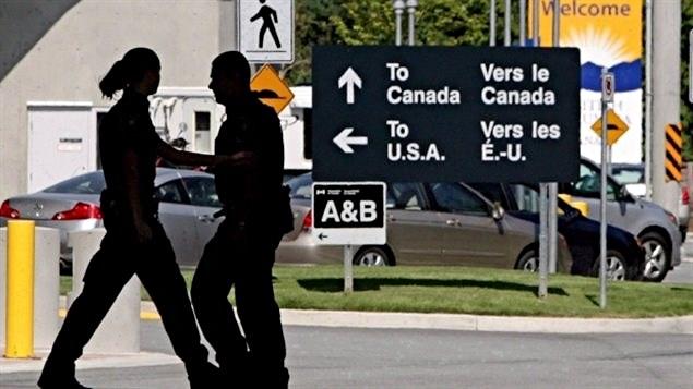 Un puesto de control aduanero en la frontera canadiense con Estados Unidos.