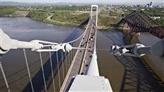 La structure de pont Pierre-Laporte.