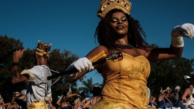 Le 18 février, des danseurs répétaient dans un parc de Rio de Janeiro en vue du Carnaval, qui s'ouvre aujourd'hui.