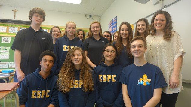 Les élèves de la classe d'Emily Bunnett de l'école secondaire de Pain Court.