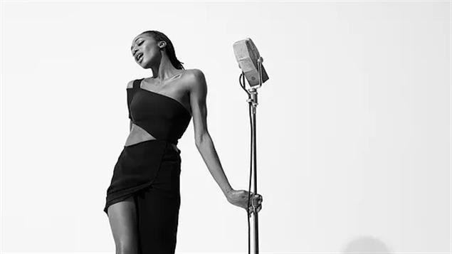 La chanteuse Ala.Ni