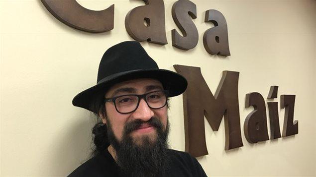 Luis Rojas, director artístico del centro cultural Casa Maíz en Toronto.