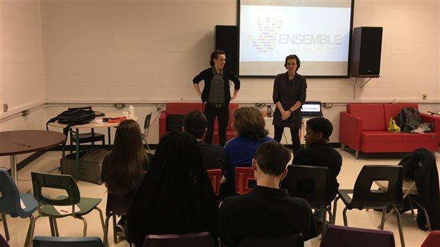 Valentina Solkin et Audrey Hachey, recherchistes-animatrices à l'organisme Ensemble pour le respect de la diversité.