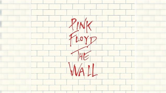 Pochette de l'album <i>The Wall</i> du groupe Pink Floyd, paru sous étiquette Sony