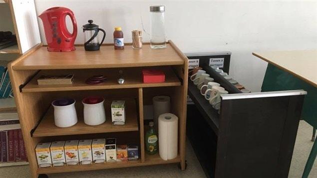 La station de thé de l'enseignante Sylvette Thériault